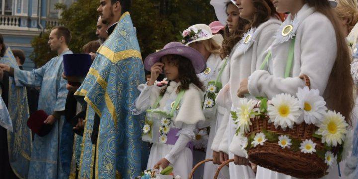 В Симферопольской и Крымской епархии начата подготовка к участию в благотворительной акции «Белый цветок»