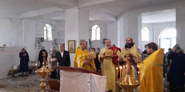 Престольный праздник праведного                                                                        Лазаря Четверодневного в поселке Молодежное.